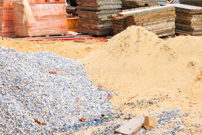 Högen för sand- och stenstålarket i hus för konstruktionsbransch renoverar arkivbild