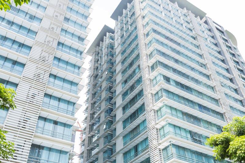 Höghuskontorsbyggnad i Malaysia fotografering för bildbyråer