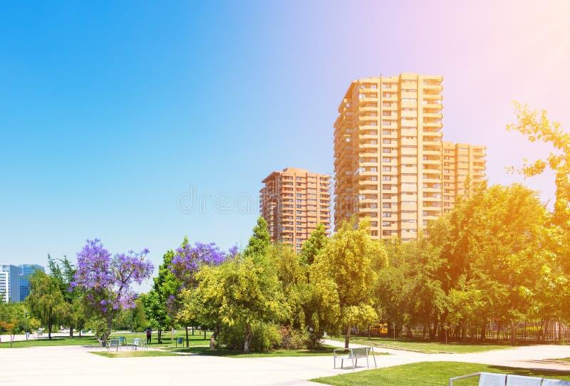 Högklassig grannskap i Santiago, Chile arkivbild