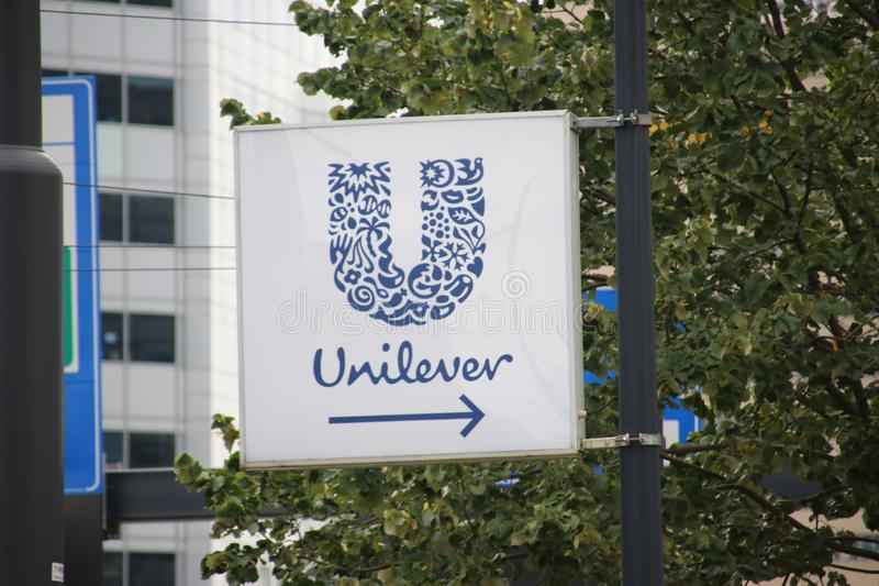 Högkvarter av Unileverföretaget på Weenaen i Rotterdam, royaltyfri bild