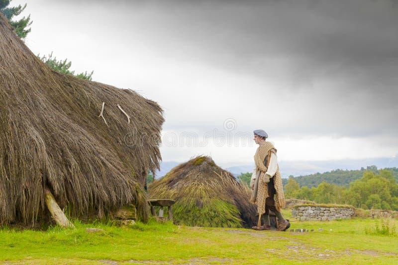 höglands- folk museumrekonstruktion av skotsk lantlig li royaltyfria bilder