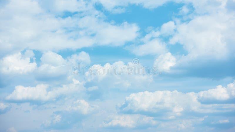 Högmoln - panorama- cloudscape arkivfoto