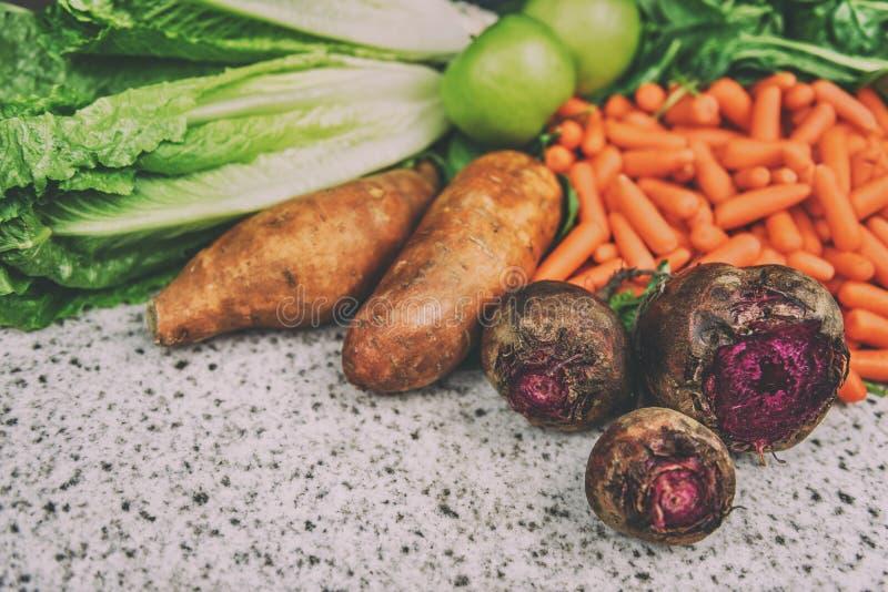 Högre grönsaksbetor bakgrunden sötpotatis royaltyfri fotografi