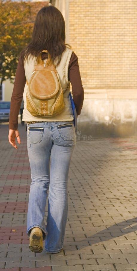 högskolaflicka arkivfoto