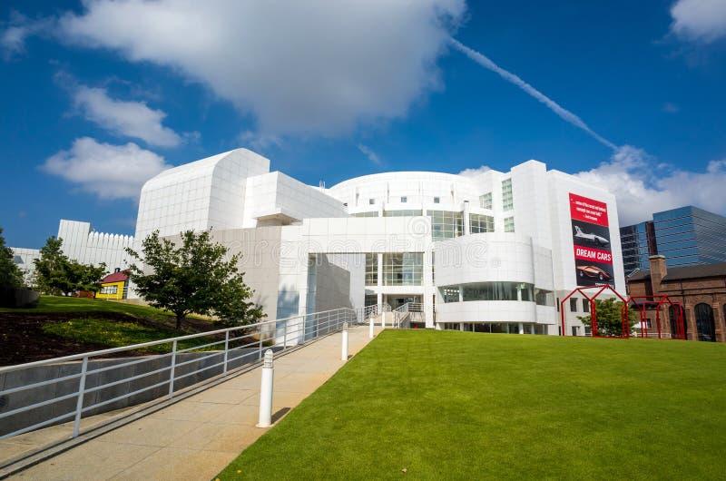 Högt museum i midtownen Atlanta arkivbilder