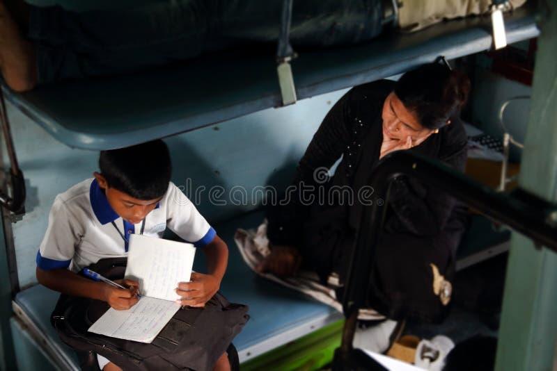 Högtrycks- av indiska studenter royaltyfria bilder