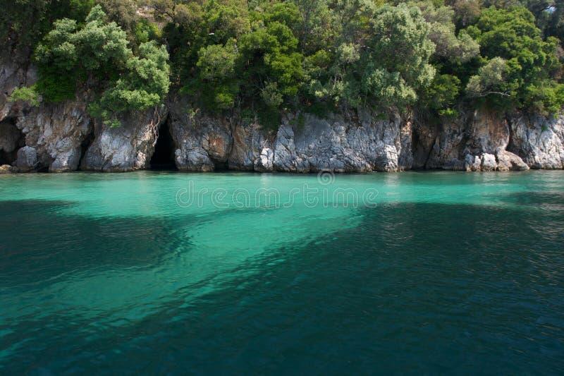 Höhle und Meer stockfoto