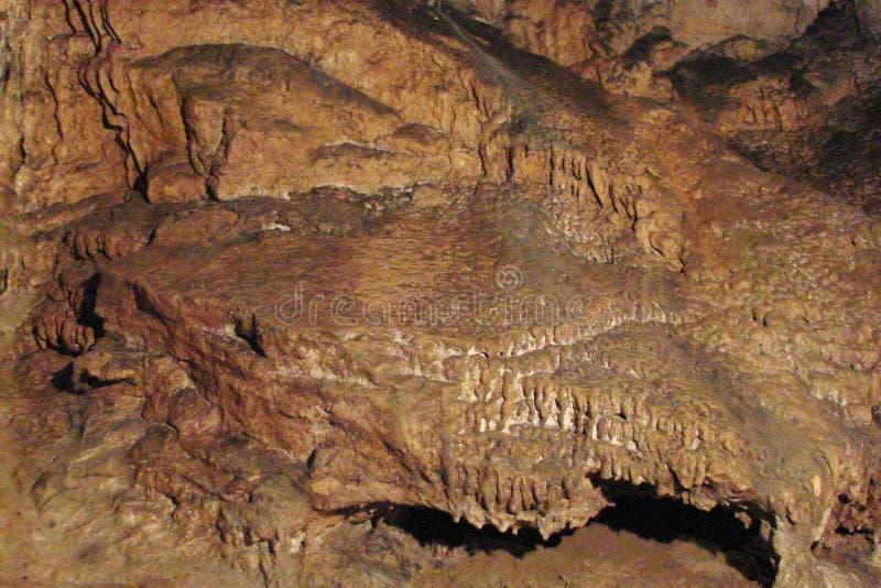 Höhlen der Krimberge im zentralen Teil der Krimhalbinsel ukraine Panorama und Landschaft von verschiedenen Schatten von lizenzfreie stockfotografie