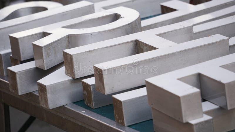 Hölzerne Alphabetzeichen stockbilder