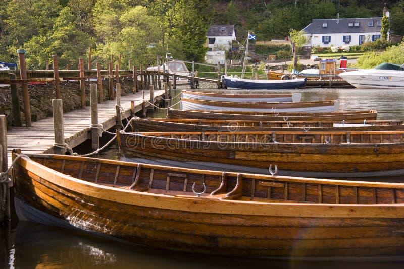Hölzerne Boote stockfotos