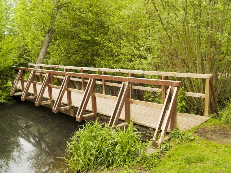 Hölzerne Brücke lizenzfreie stockfotografie
