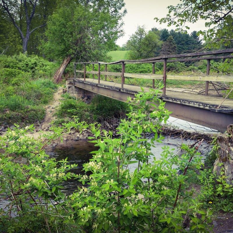 Hölzerne Brücke stockfoto