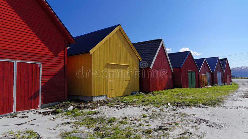 Hölzerne Bretterbuden, Bremanger, Norwegen stockbilder