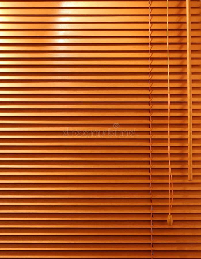 Hölzerne Fenster-Vorhänge stockbilder