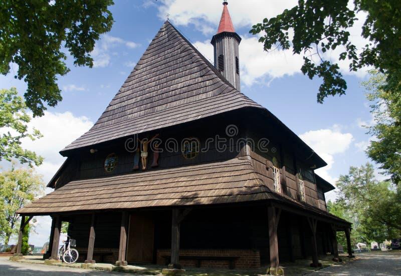 Hölzerne Kirche von St. Roch im Dorf Grodzisko lizenzfreie stockfotografie