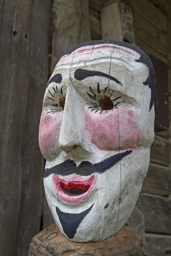 Hölzerne Maske von Sauris stockbild