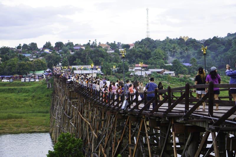 Hölzerne Montag-Brücke stockfoto