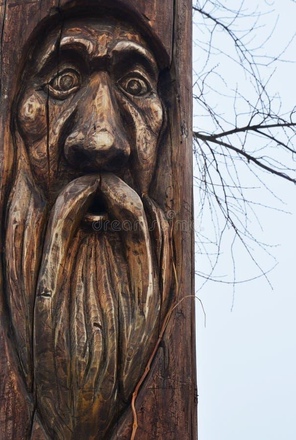 Hölzerne Statue des Idols Architektur stockfoto