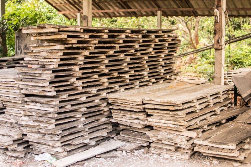 Hölzerne Struktur für Wohnungsbau das alte Holz stockbild