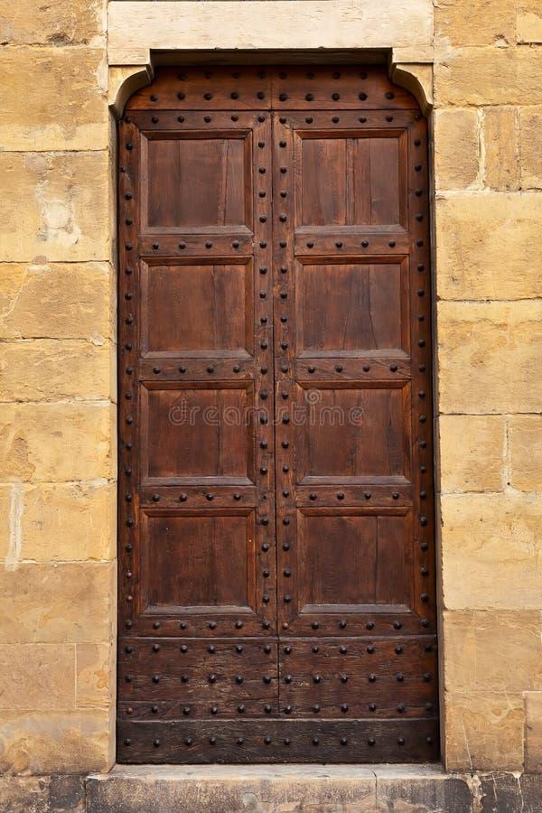 Hölzerne Tür. lizenzfreie stockbilder