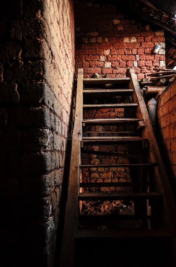Hölzerne Treppe stockfotos