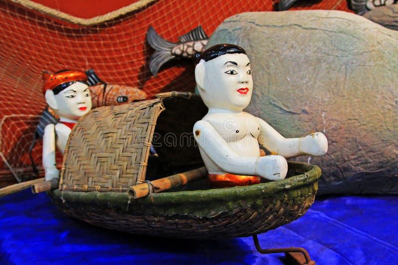 Hölzerne Wasser-Marionetten Vietnams lizenzfreie stockfotos