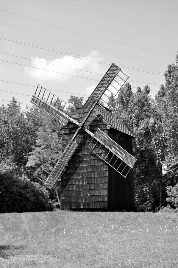 Hölzerne Windmühle stockfoto
