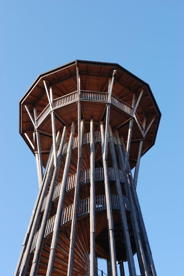 Hölzerner Beobachtungskontrollturm lizenzfreies stockfoto