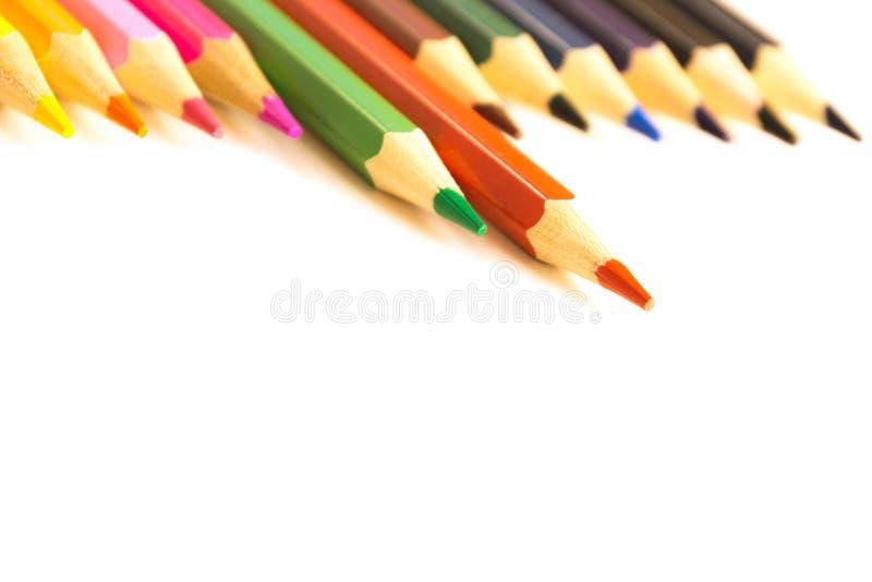 Hölzerner bunter Bleistift eingestellt für das Zeichnen lizenzfreie stockfotografie