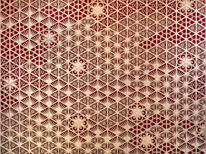 Hölzerner Fassadenschablonenentwurf, Wandmuster-Oberflächenbeschaffenheit der grafischen Kunst des Bauholzes Nahaufnahme des Inne stockfotografie