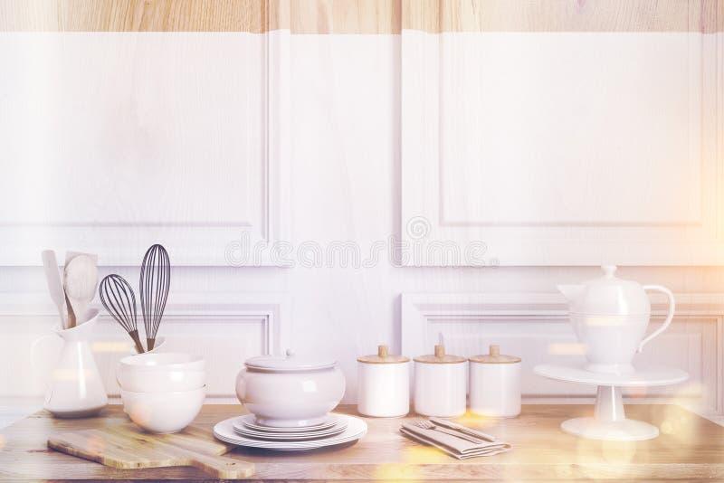 Hölzerner Küchentisch getont lizenzfreie abbildung