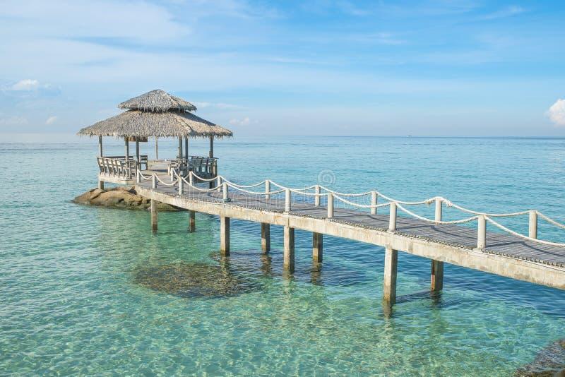 Hölzerner Pier in Phuket, Thailand lizenzfreie stockbilder