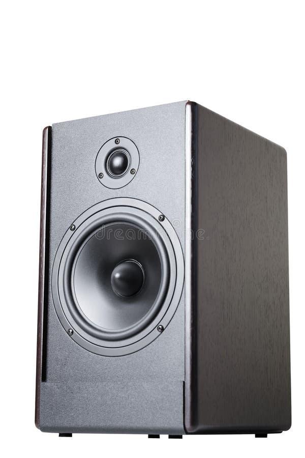 Hölzerner schwarzer Audiosprecher auf einem weißen Hintergrundisolat lizenzfreies stockbild