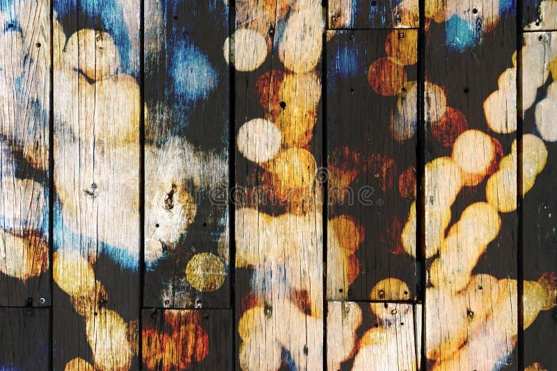 Hölzernes Brett und Licht Bokeh, Farbe, Doppelbelichtung, Retro- stockbilder