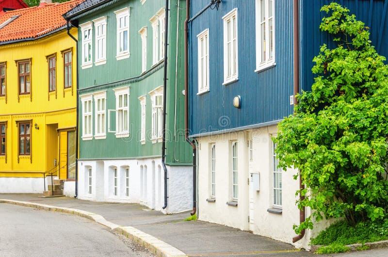 Hölzernes Dorf in der Stadt, von Oslo, Skandinavien lizenzfreies stockfoto