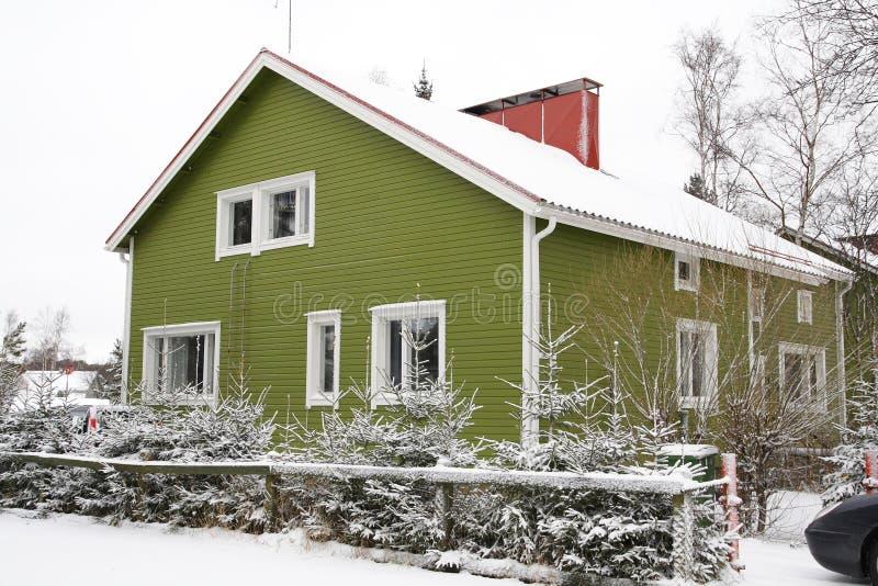 Hölzernes finnisches Haus lizenzfreie stockfotos