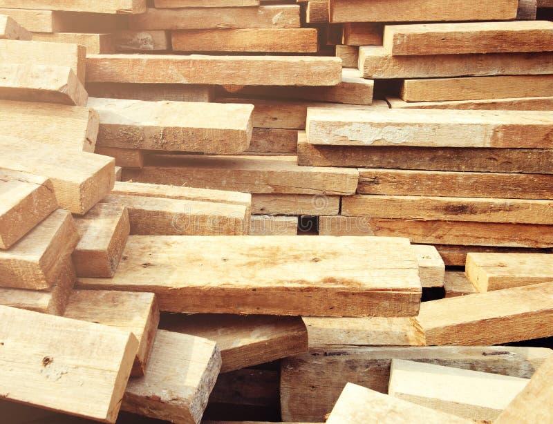 Hölzernes Holzbauweisematerial für Hintergrund und Beschaffenheit stockfotos