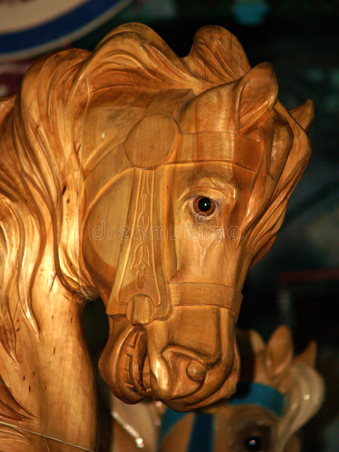 Hölzernes Karussell-Pferd stockfoto
