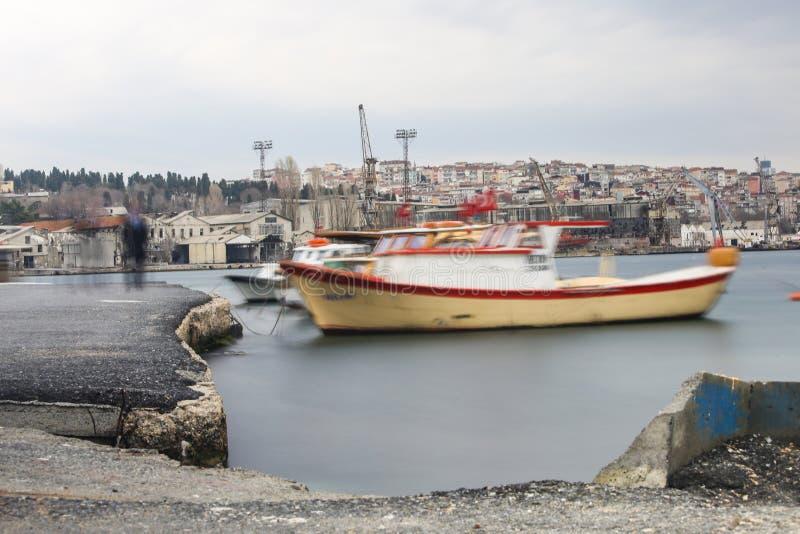 Hölzernes lokales kleines Fischerboot lizenzfreies stockfoto