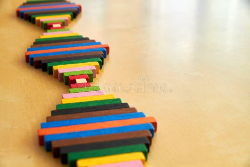 Hölzernes Montessori-Material für Mathe Cuisenaire-Stangen stockfotos