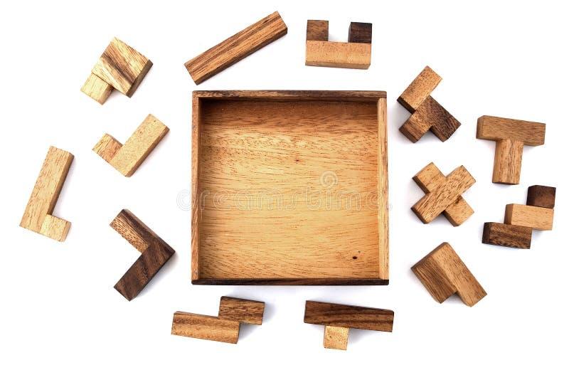 Hölzernes Puzzlespiel lizenzfreie stockfotos