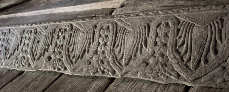 Hölzernes schnitzendes Holz des Teakholzes stockfotos