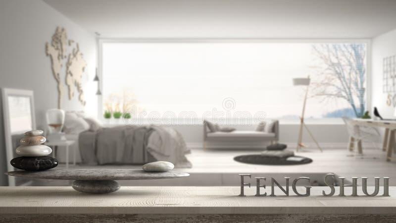 Hölzernes Weinlesetabellenregal mit Steinbalance und Buchstaben 3d, die das Wort feng shui über modischem Schlafzimmer mit großem stockbilder