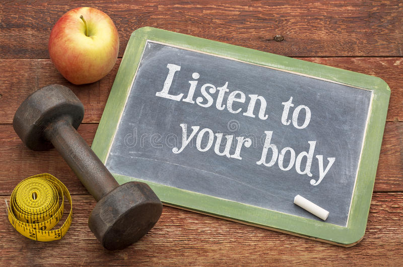 Hören Sie auf Ihren Körper stockbild