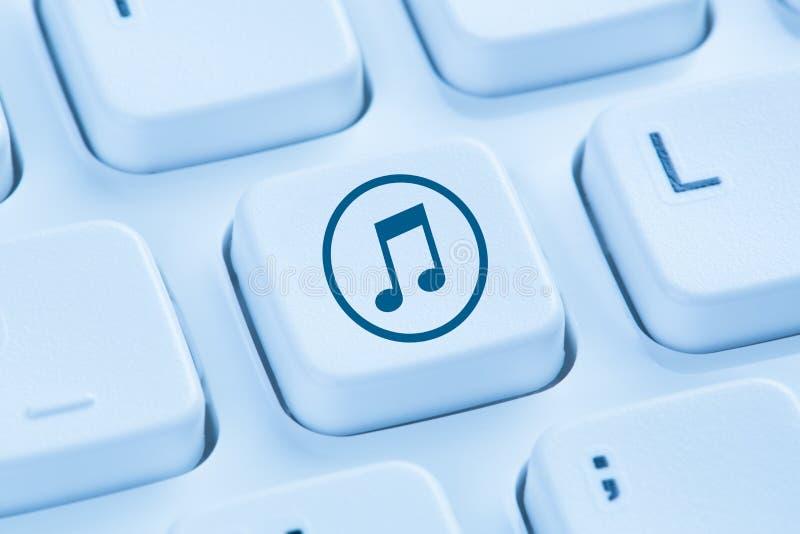 Hörendes Downloaddownloading, das blaue COM des Musikinternets strömt lizenzfreie stockfotos