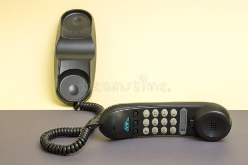 Hörer und örtlich festgelegtes Telefon mit dem Tonwählen stockfotografie