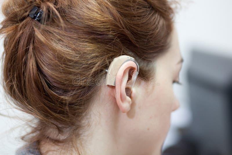 Hörgerät lizenzfreie stockbilder