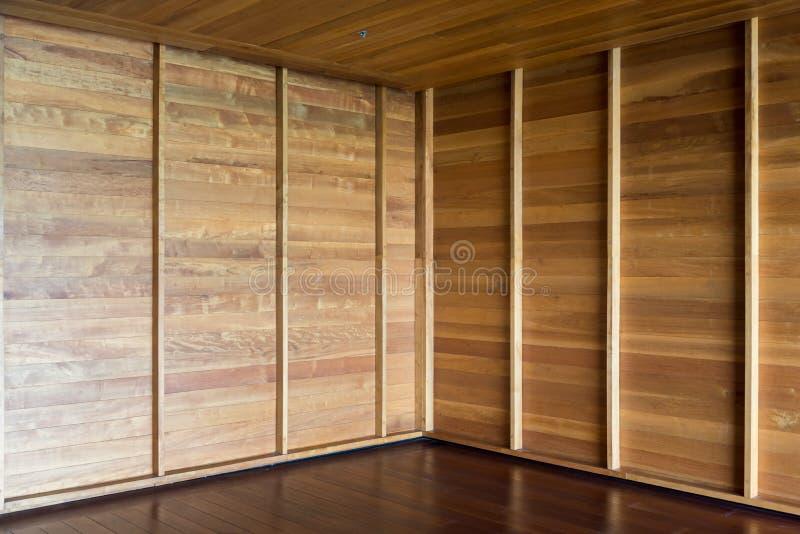 Hörn av tomt rum durken walls trä royaltyfria foton