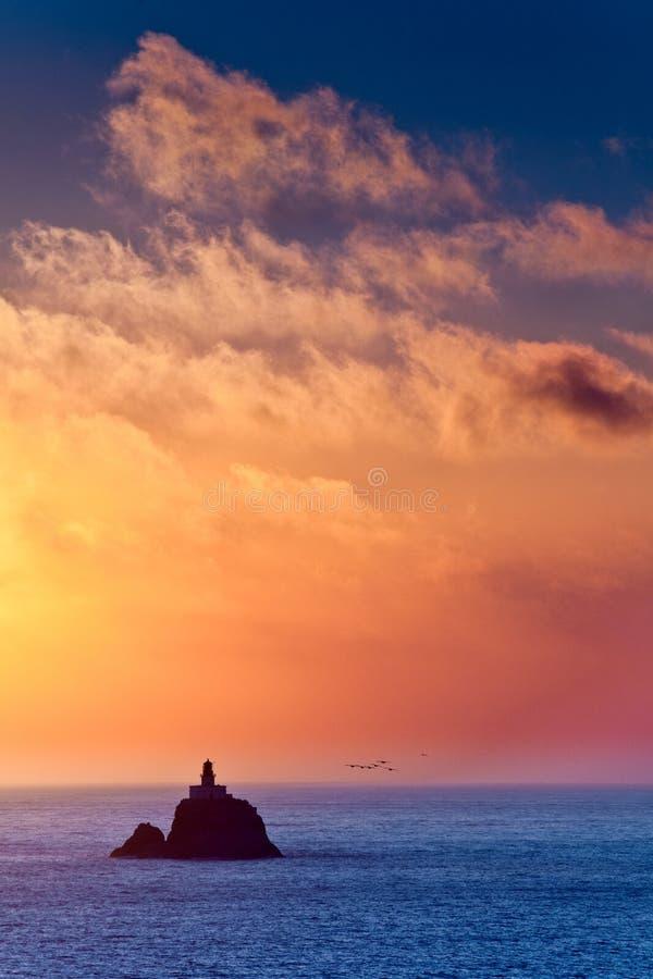 Download Höstacken vaggar fotografering för bildbyråer. Bild av kanon - 37345055