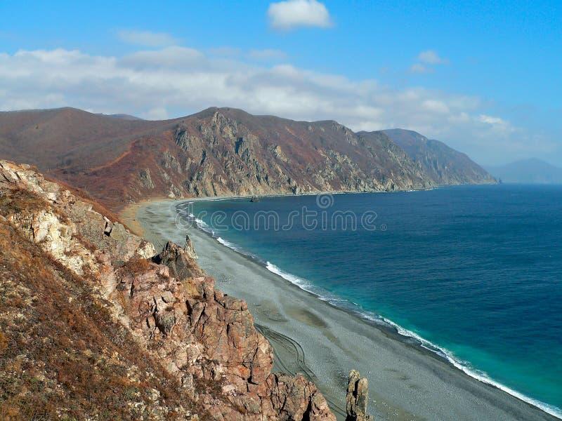 Hösten landskap på havet royaltyfri foto